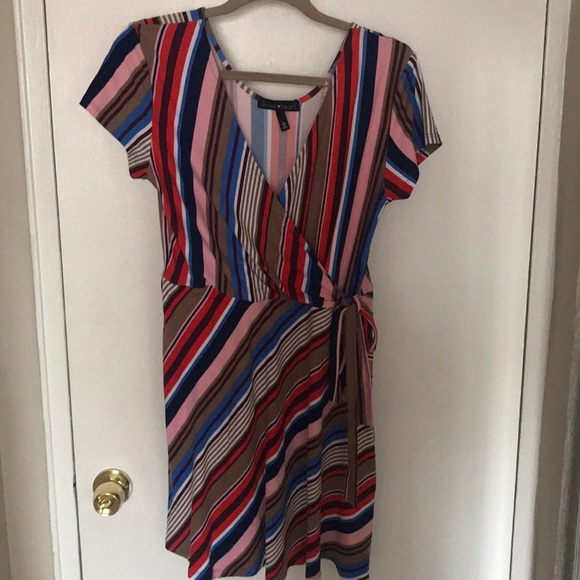 Derek Heart Dresses & Skirts - Striped Poly Spandex Derek Hart Wrap Dress, Size L